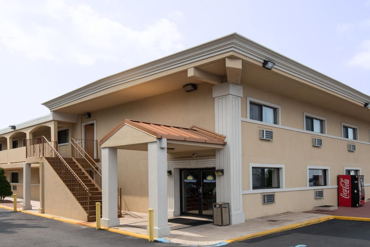 Days Inn Long Island/Copiague in Levittown, New York