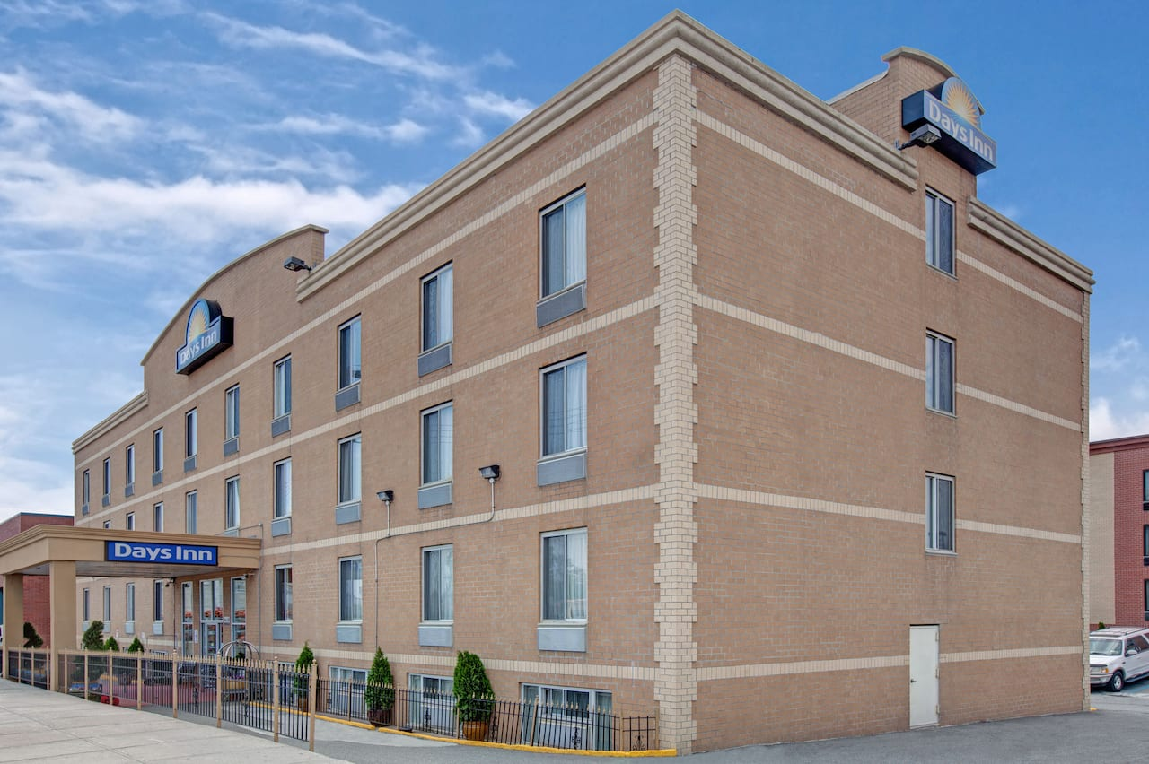 Days Inn Jamaica - JFK Airport in  Levittown,  New York