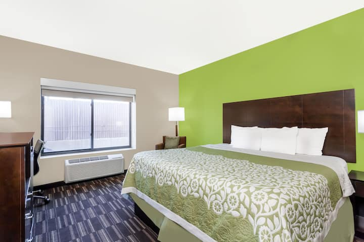 Guest room at the Days Inn & Suites Jamaica JFK Airport in Jamaica, New York