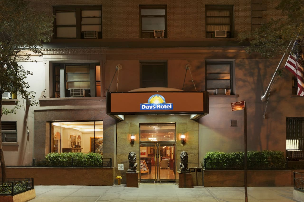 Days Inn Hotel New York City-Broadway in Rochelle Park, New Jersey