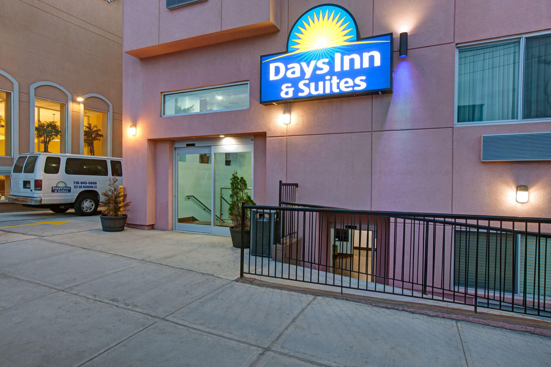 Days Inn Suites By Wyndham Ozone Park Jfk Airport Ny Hotels