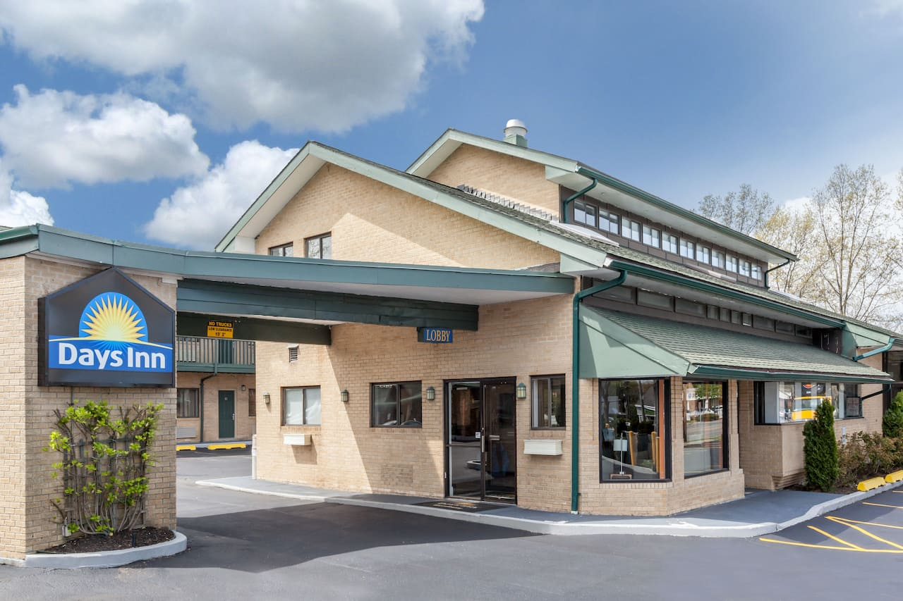 Days Inn Woodbury Long Island in Holtsville, New York