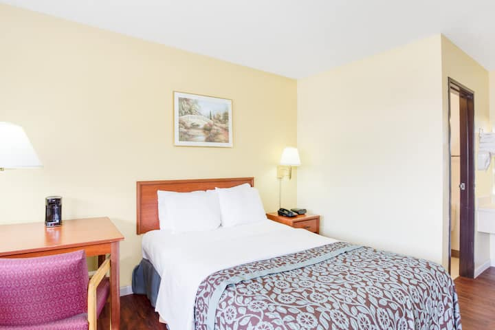 Guest room at the Days Inn Athens in Athens, Ohio