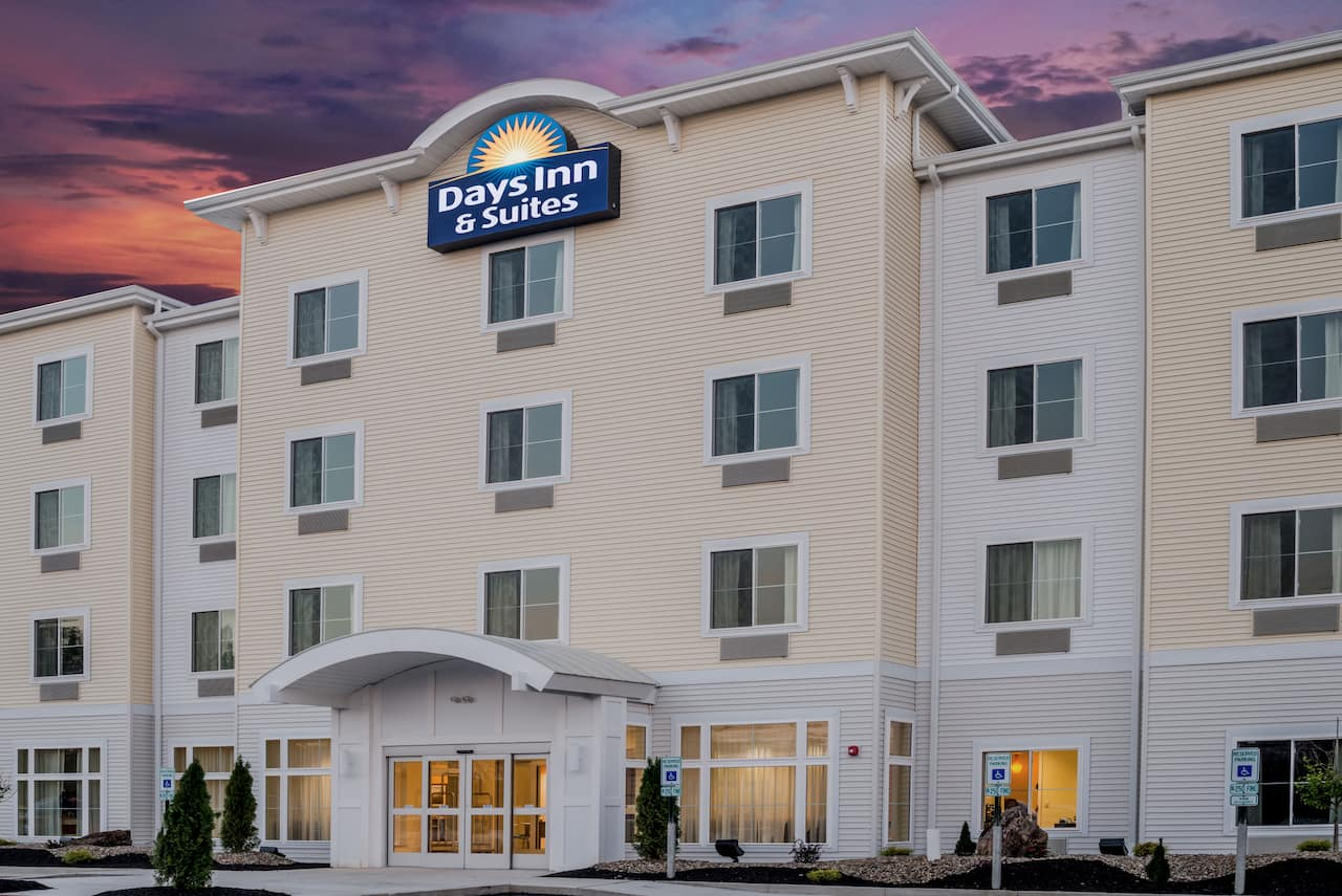 Days Inn Cadiz in Saint Clairsville, Ohio