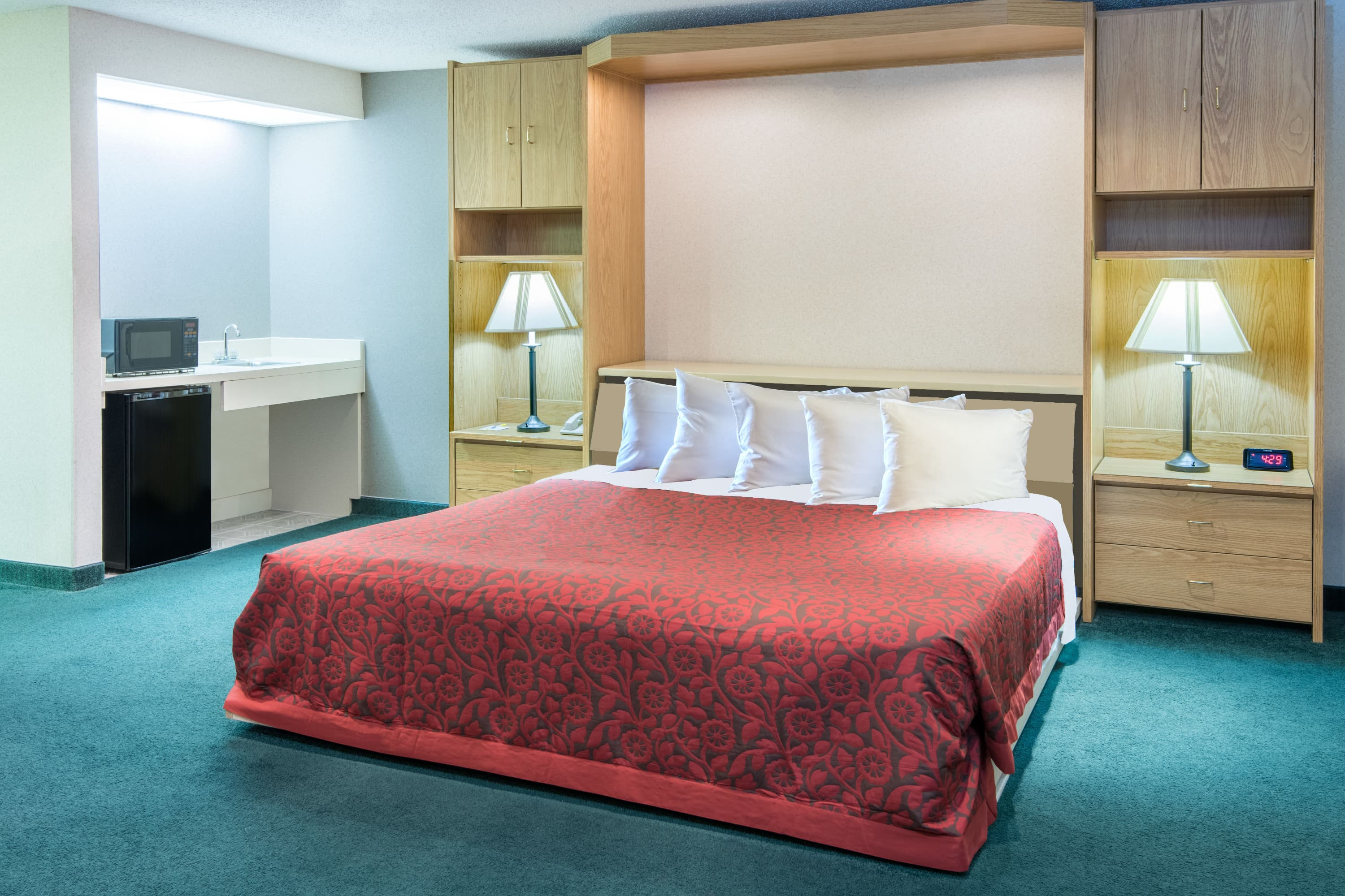 Days Inn Wooster suite in Wooster, Ohio