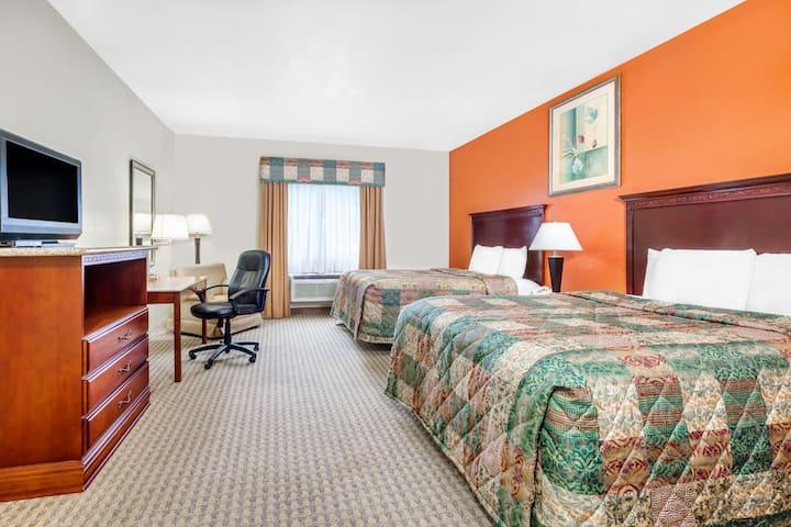 Guest room at the Days Inn & Suites Atoka in Atoka, Oklahoma