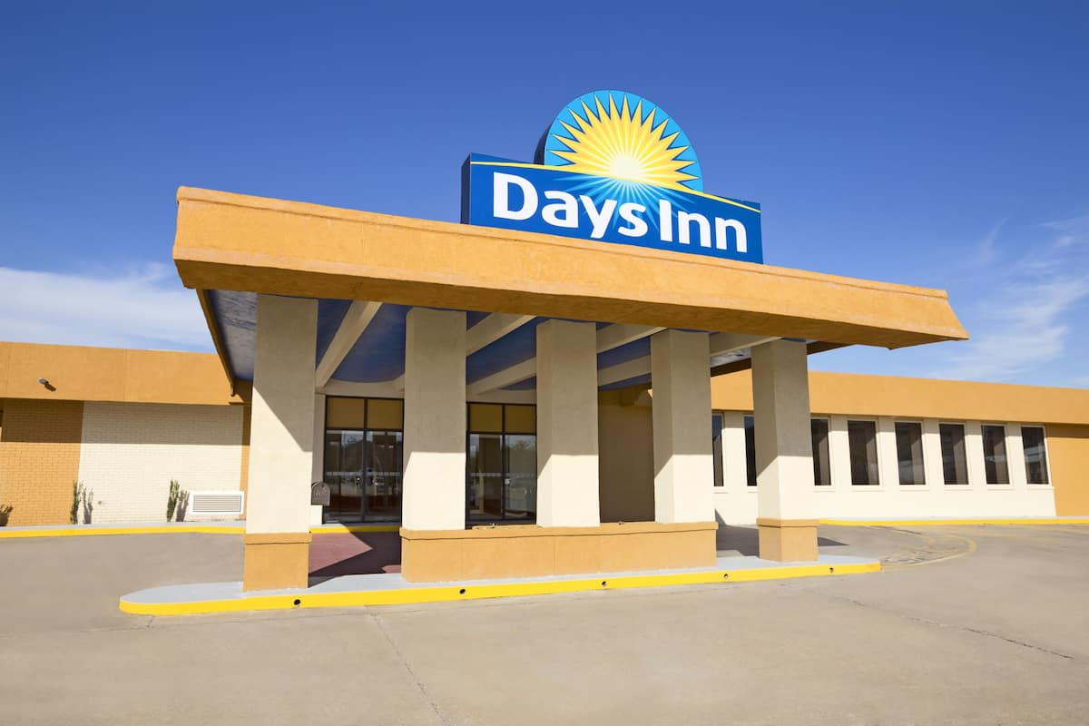 Exterior Of Days Inn Henryetta Hotel In Oklahoma
