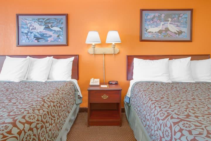 Guest room at the Days Inn Okemah in Okemah, Oklahoma