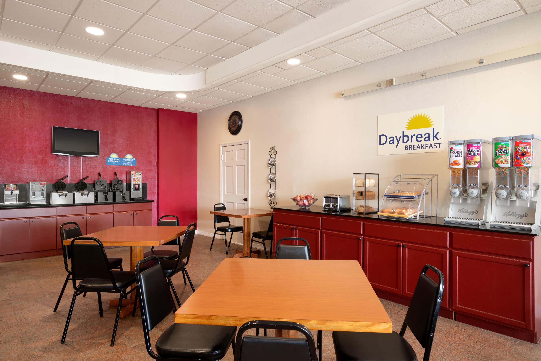 Days Hotel By Wyndham Allentown Airport Lehigh Valley