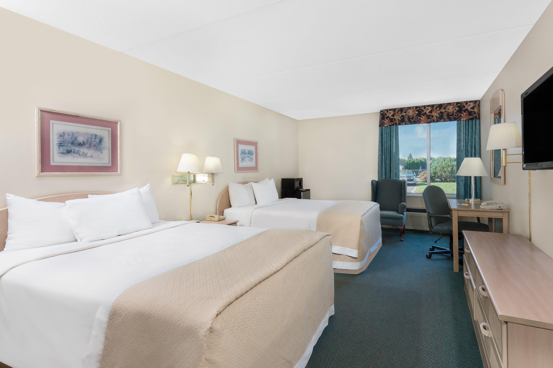 Guest room at the Days Inn Carlisle South in Carlisle, Pennsylvania