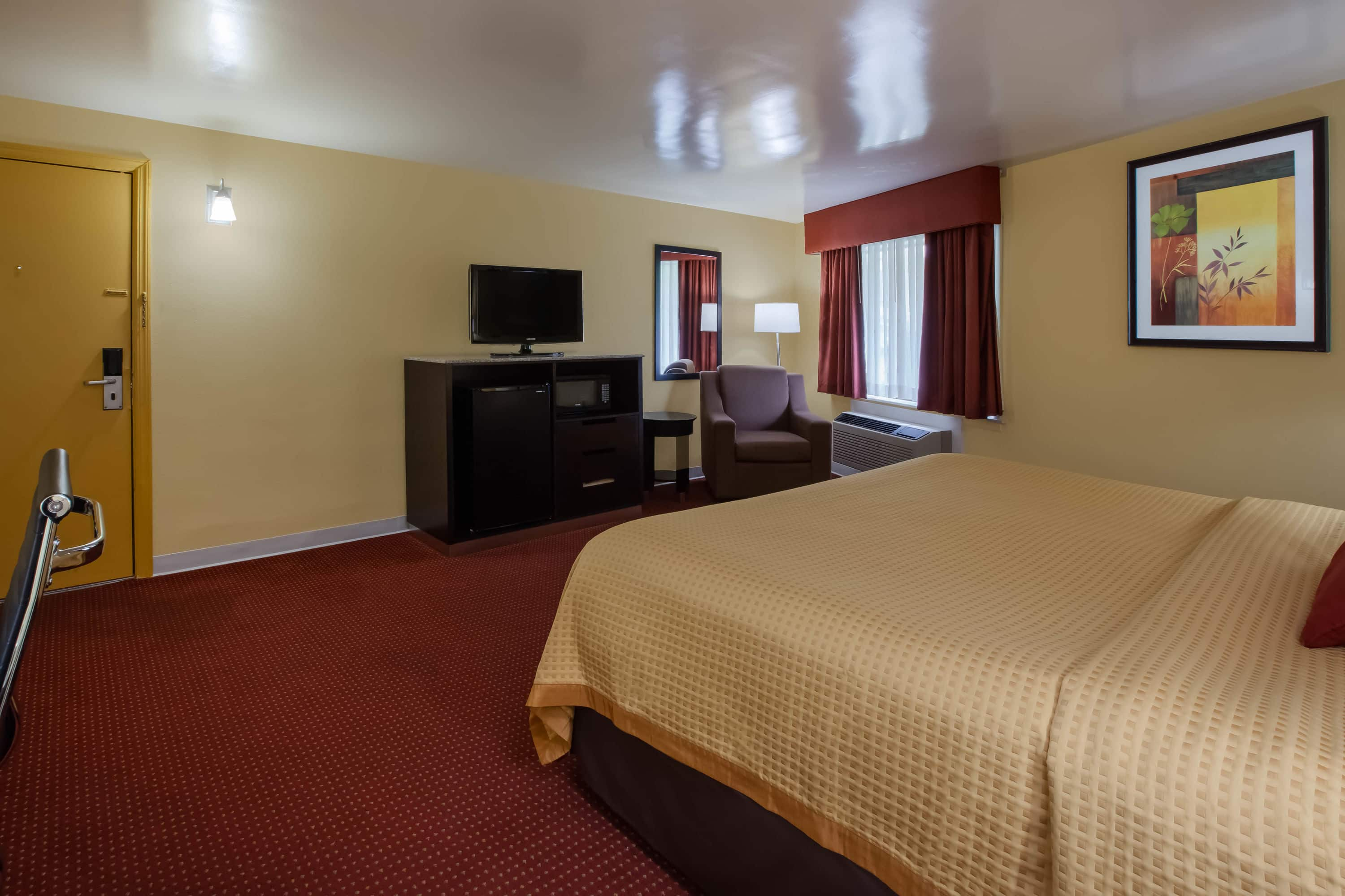 Guest room at the Days Inn Donegal in Donegal, Pennsylvania