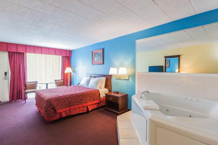 Days Inn East Stroudsburg suite in East Stroudsburg, Pennsylvania