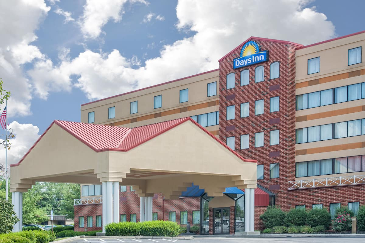 Exterior Of Days Inn By Wyndham Gettysburg Hotel In Pennsylvania