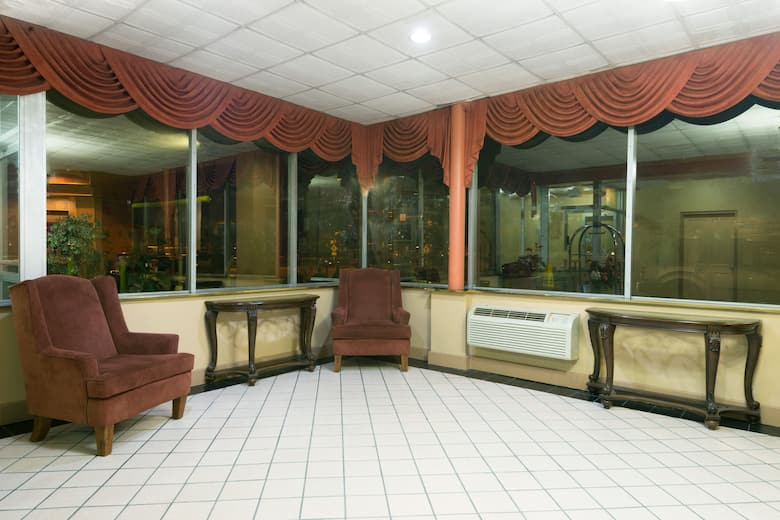 Days Inn Philadelphia Roosevelt Boulevard Hotel Lobby In Pennsylvania