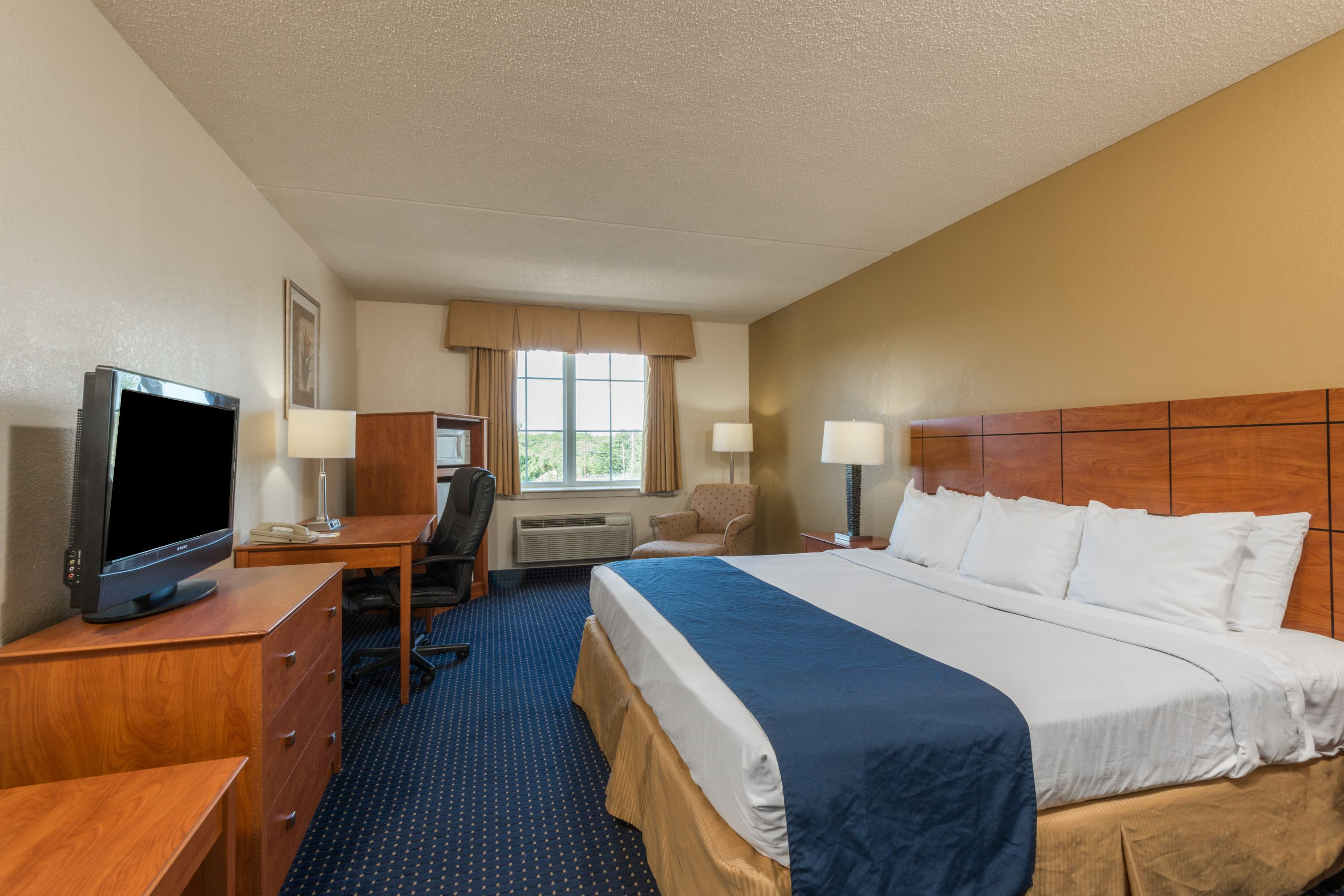 Guest room at the Days Inn Pottstown in Pottstown, Pennsylvania