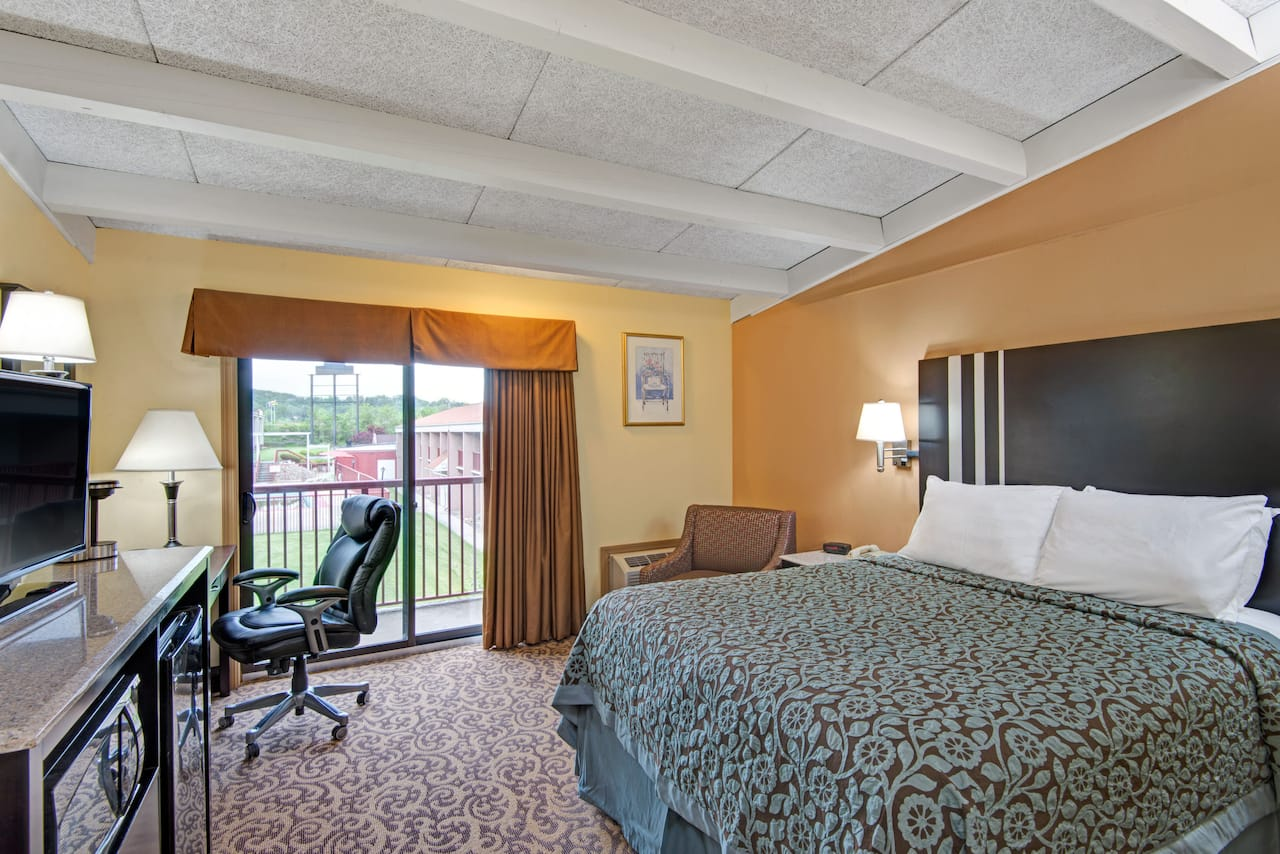 Days Inn Washington in  Washington,  Pennsylvania