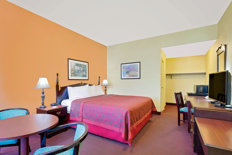 Guest room at the Days Inn Waynesboro in Waynesboro, Pennsylvania