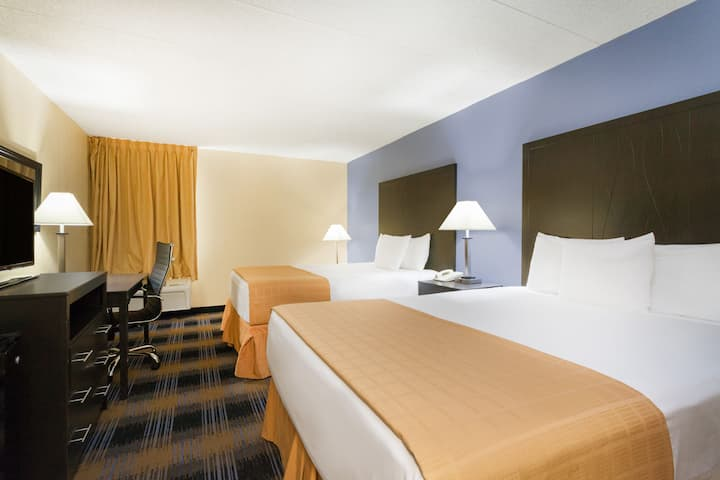 Guest room at the Days Inn Wilkes Barre in Wilkes Barre, Pennsylvania