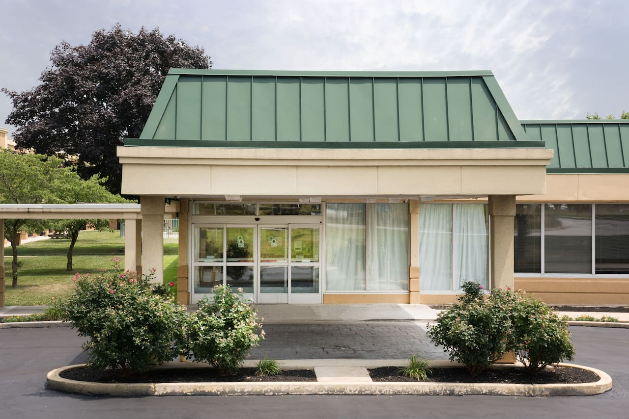 Days Inn & Suites York in Elizabethtown, Pennsylvania