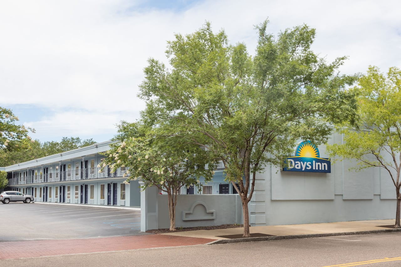 Days Inn Charleston Historic District in Charleston, South Carolina