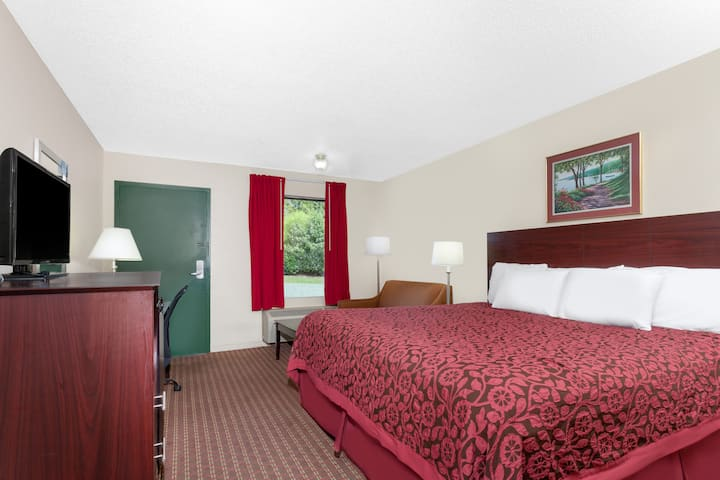 Guest room at the Days Inn Columbia NE Fort Jackson in Columbia, South Carolina