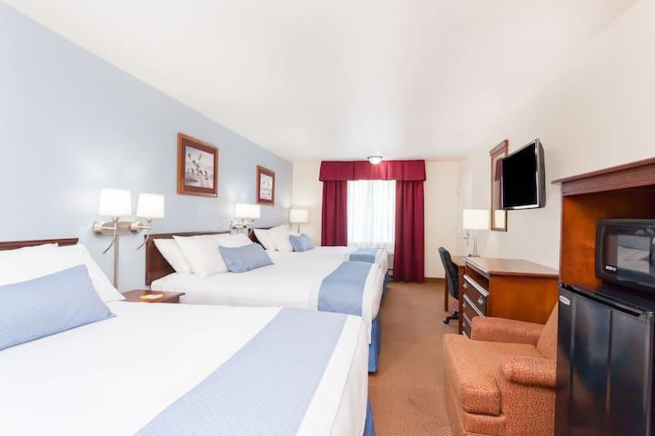 Guest room at the Days Inn Hampton in Hampton, South Carolina