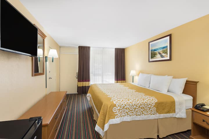 Guest room at the Days Inn Mount Pleasant-Charleston-Patriots Point in Mount Pleasant, South Carolina