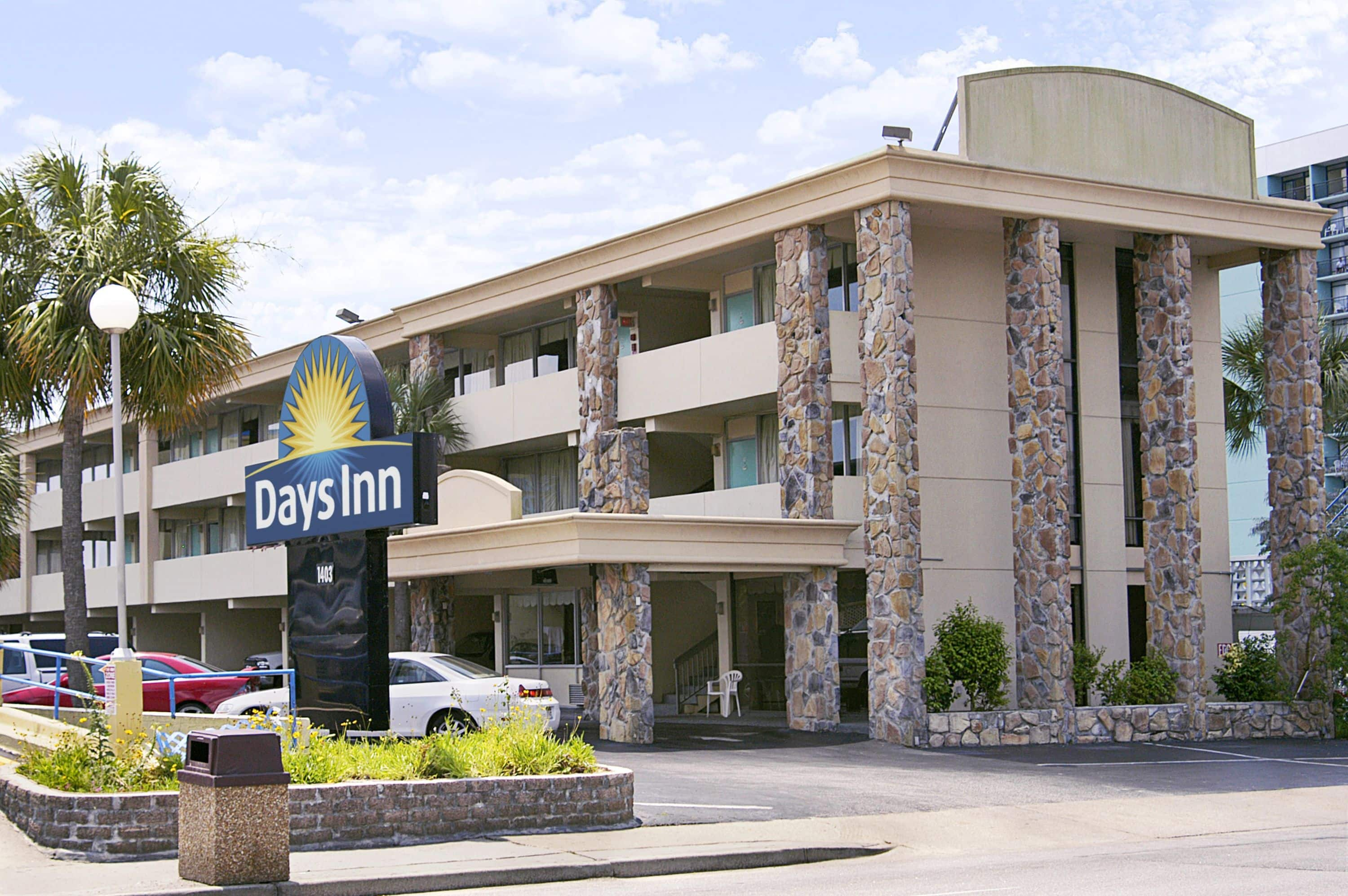 Exterior Of Days Inn By Wyndham Myrtle Beach Beach Front Hotel In Myrtle  Beach,