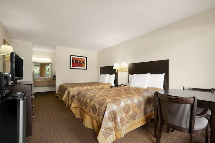 Guest room at the Days Inn Port Royal/near Parris Island in Port Royal, South Carolina