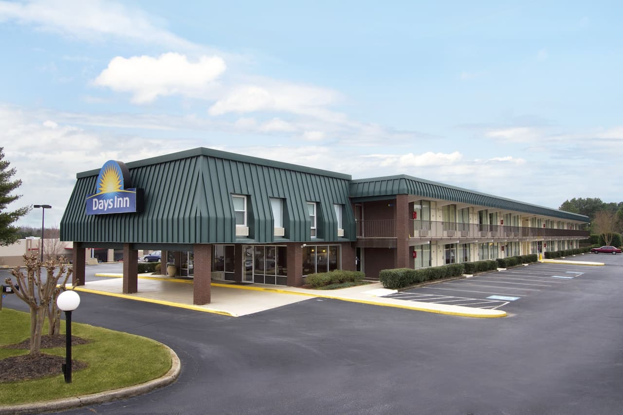 Days Inn Seneca in Anderson, South Carolina