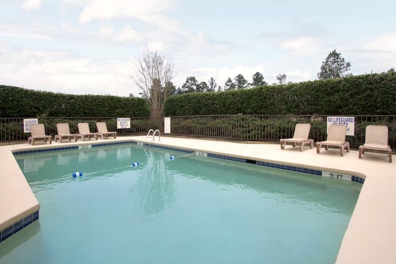 Pool At The Days Inn Seneca In South Carolina