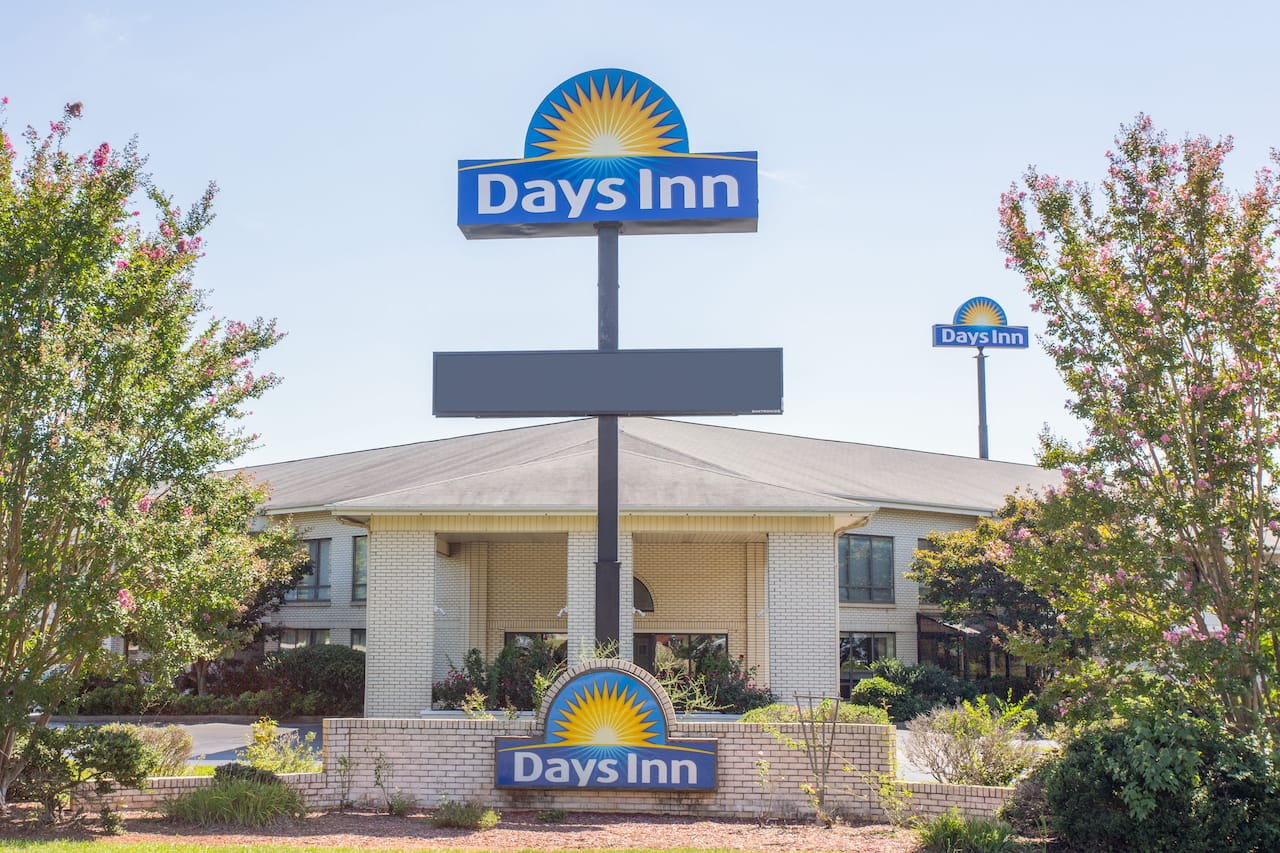 Days Inn Spartanburg Waccamaw in  Spartanburg,  South Carolina