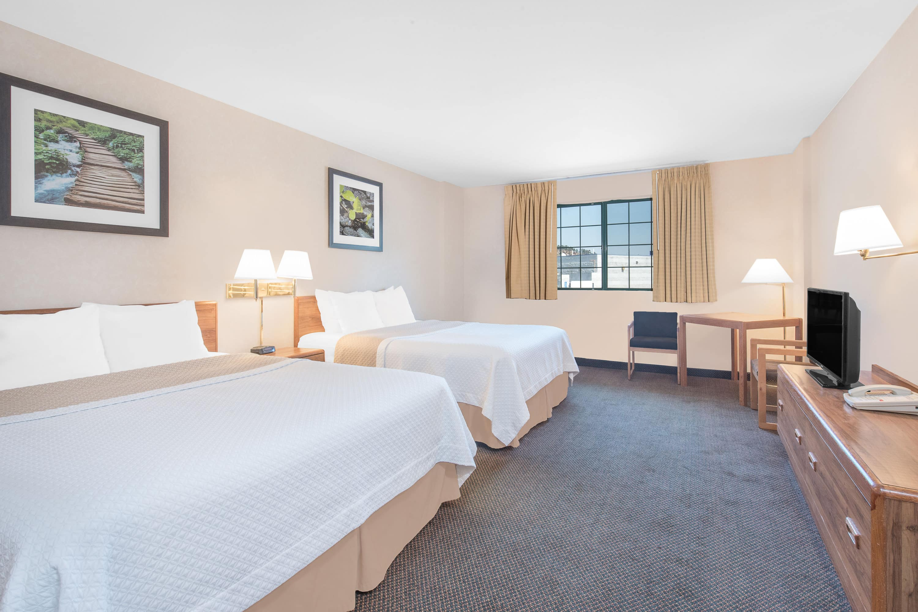 Guest room at the Days Inn West Rapid City in Rapid City, South Dakota