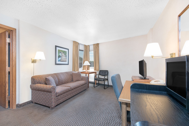 Days Inn West Rapid City suite in Rapid City, South Dakota