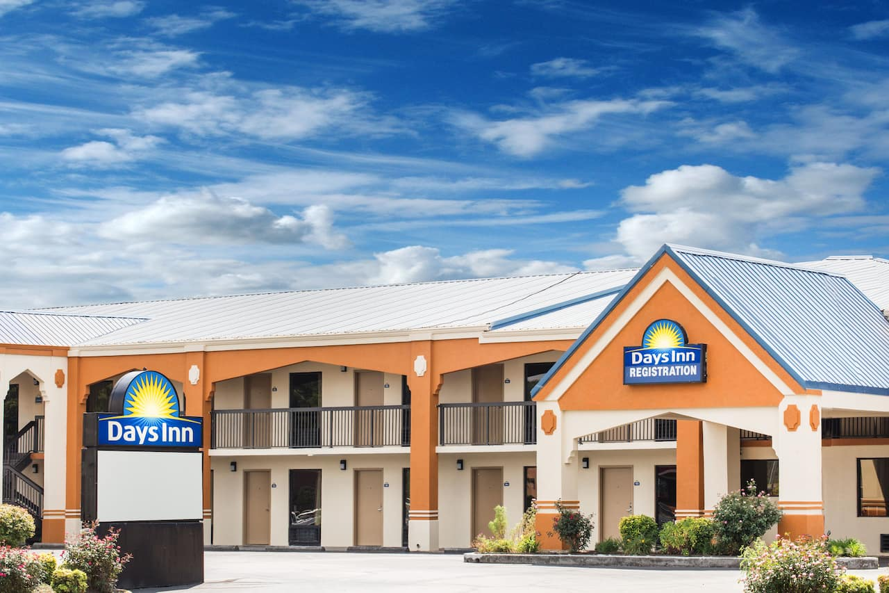 Days Inn Athens in Cleveland, Tennessee