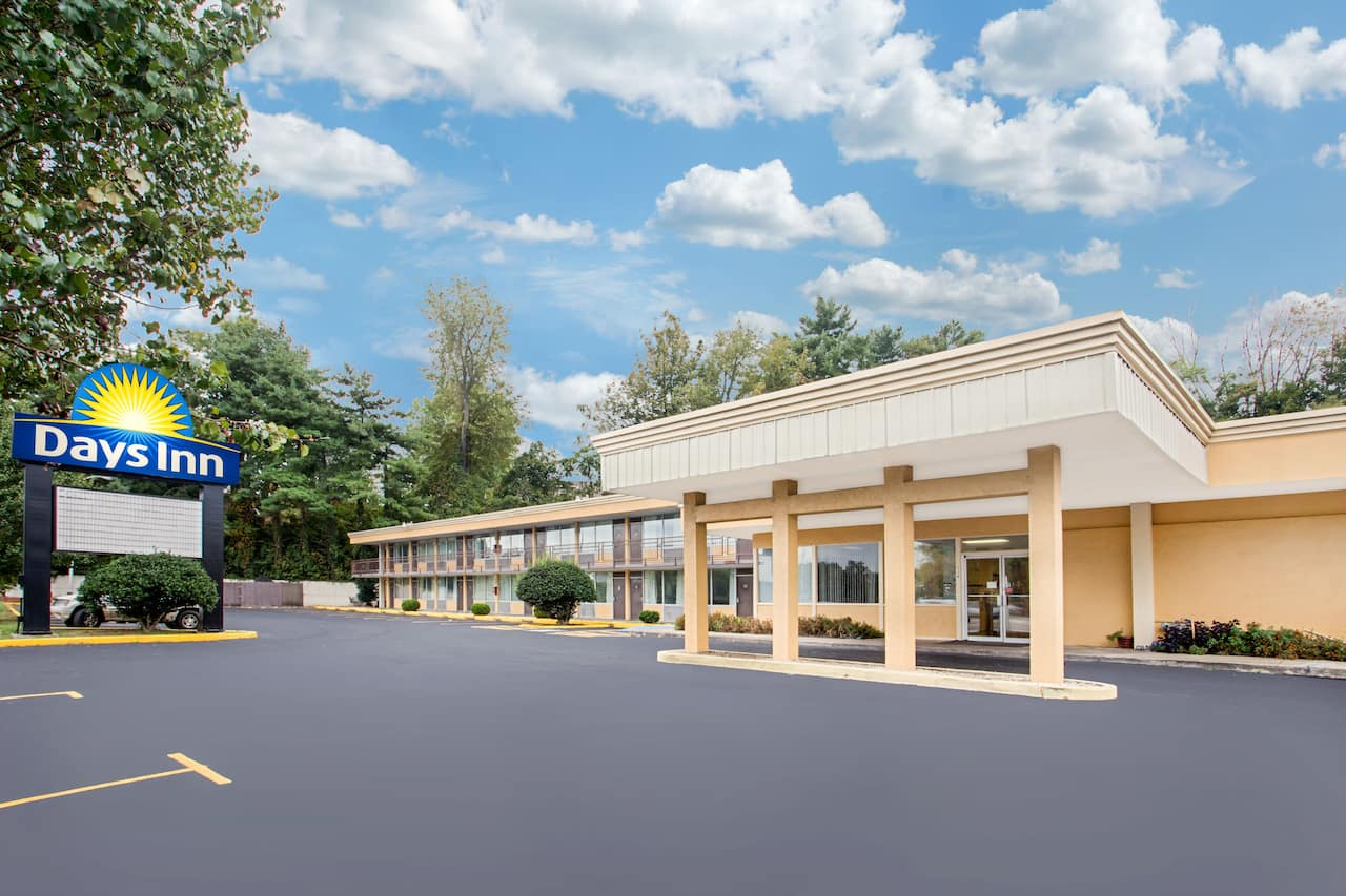 Days Inn Bristol Parkway in Bristol, Virginia