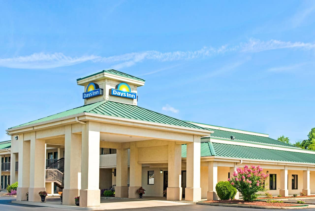 Days Inn Covington in Brownsville, Tennessee