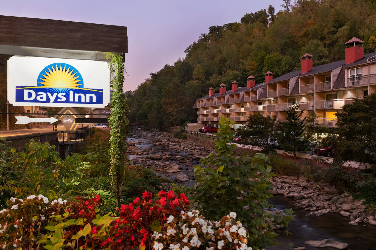 Days Inn Gatlinburg On The River in Waynesville, North Carolina