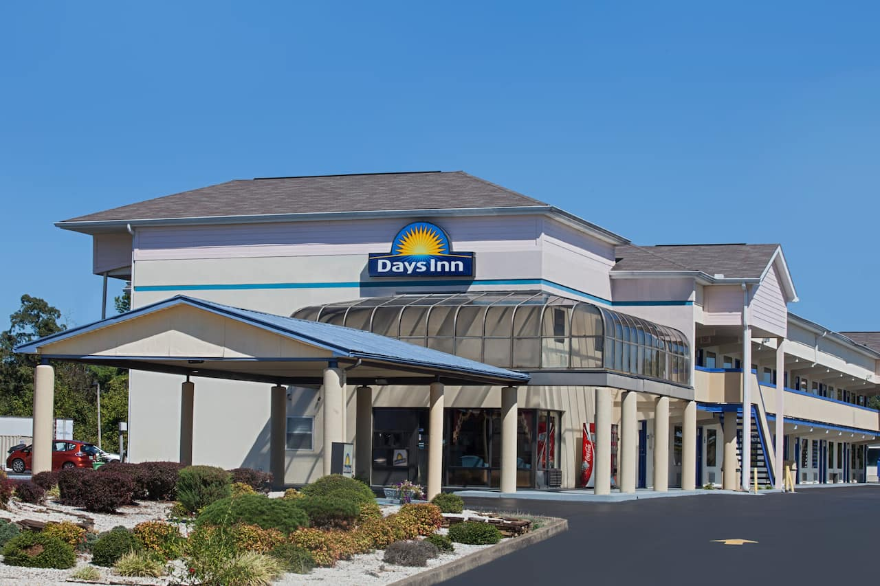 Days Inn Greeneville in  Bulls Gap,  Tennessee
