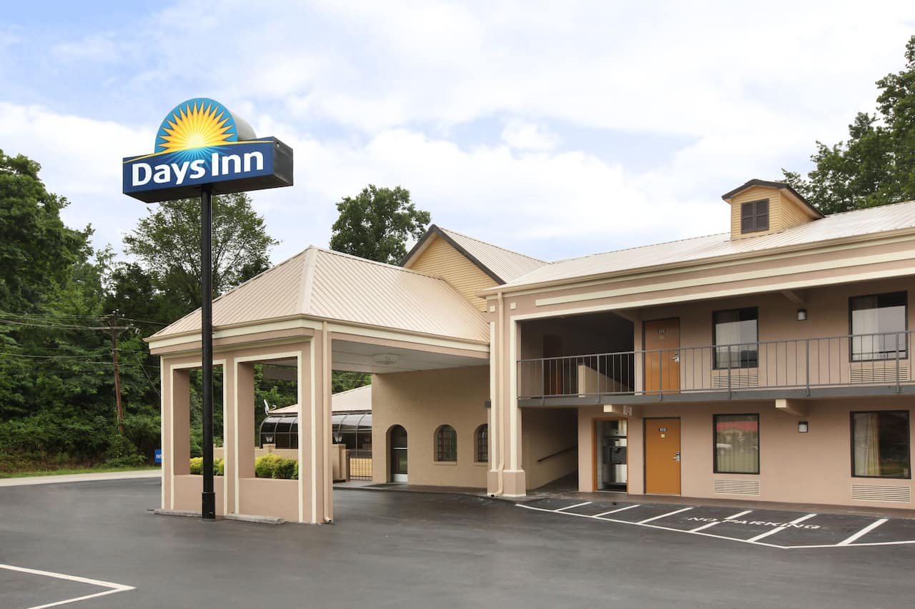 at the Days Inn Harriman in Harriman, Tennessee