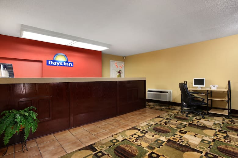 Days Inn Harriman Hotel Lobby In Tennessee