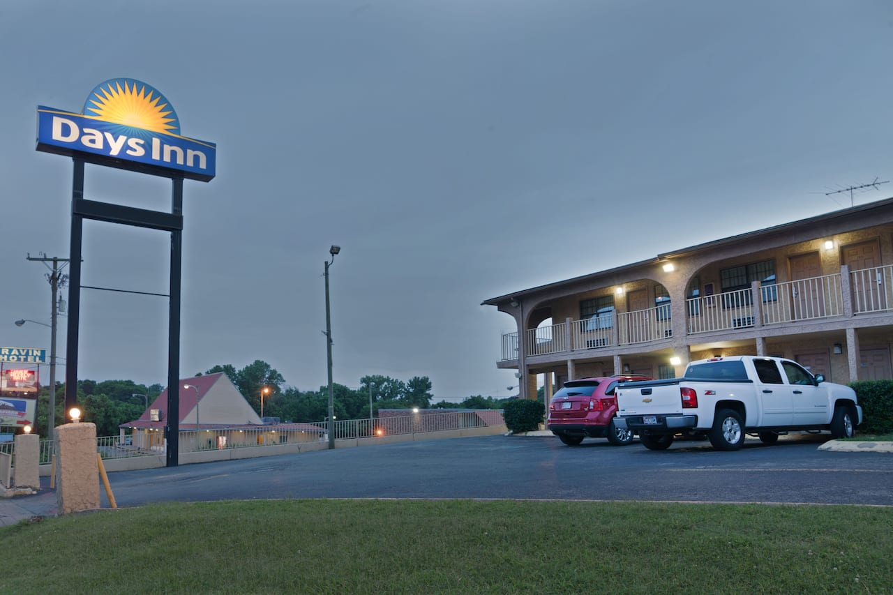 Days Inn Downtown-Nashville West Trinity Lane in Goodlettsville, Tennessee