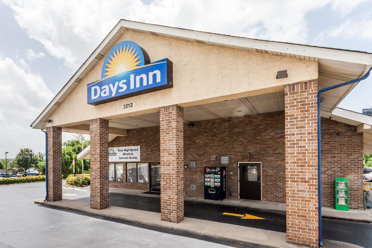 Days Inn Nashville North-Opryland/Grand Ole Opry Area in Goodlettsville, Tennessee