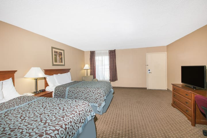 Guest room at the Days Inn Ripley in Ripley, Tennessee