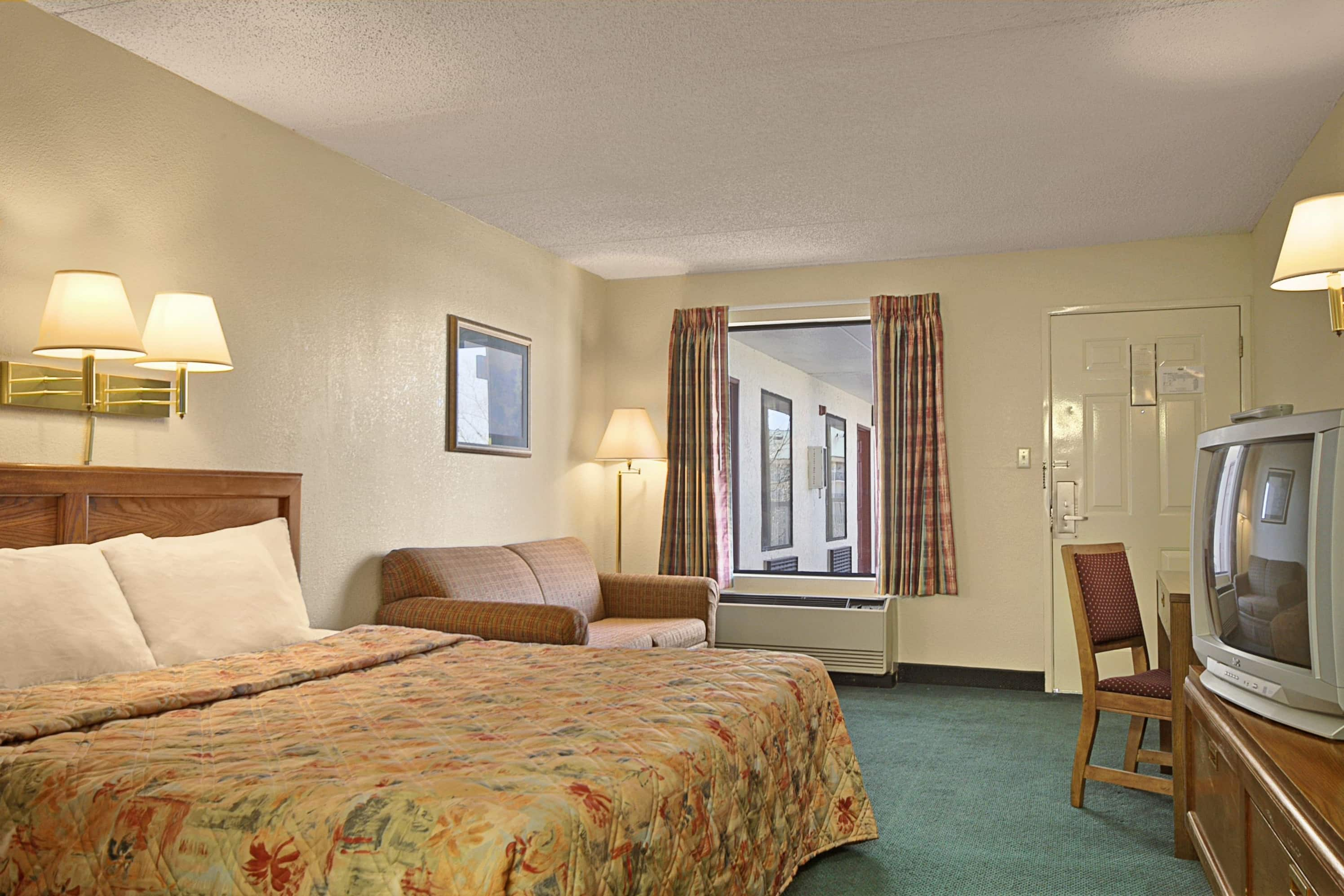 Guest room at the Days Inn Apple Valley Sevierville in Sevierville, Tennessee