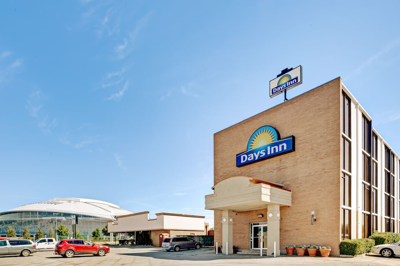 Days Inn Arlington Six Flags/Ballpark/AT&T Stadium in North Richland Hills, Texas