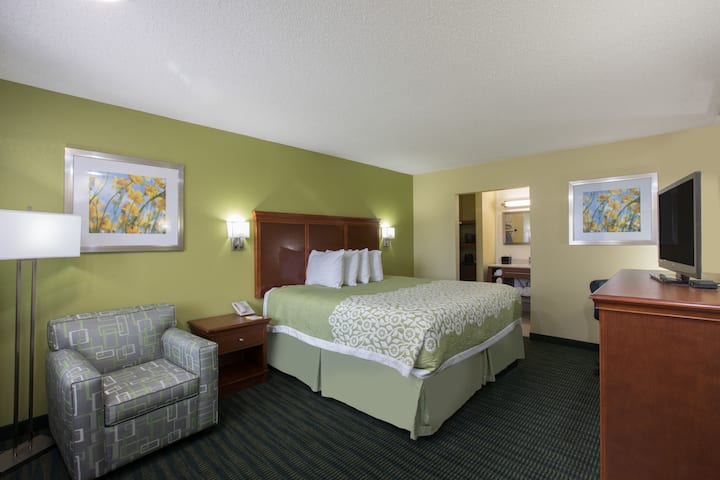 Guest room at the Days Inn & Suites Big Spring in Big Spring, Texas