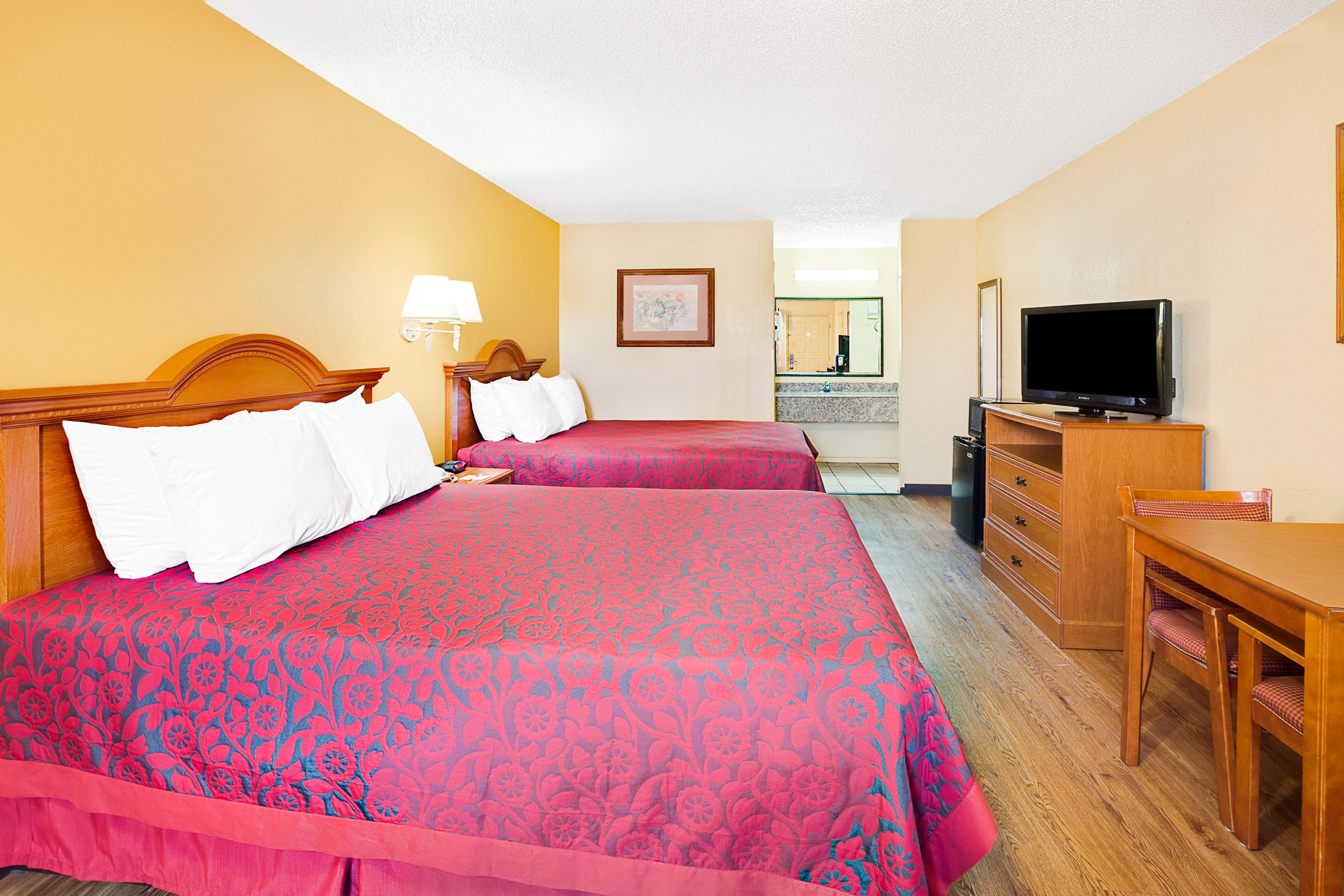 Guest room at the Days Inn Boerne in Boerne, Texas