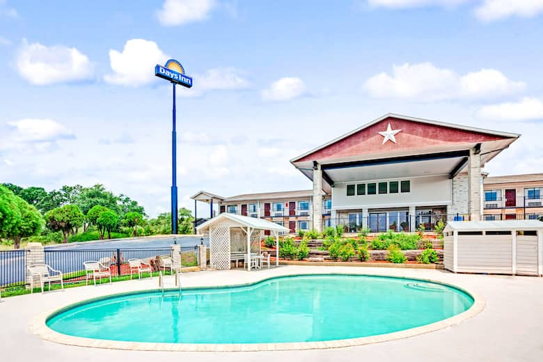 Pool At The Days Inn Boerne In Texas