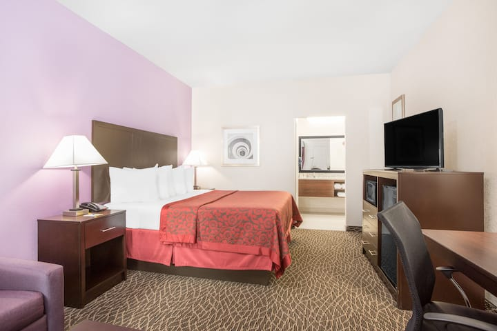 Guest room at the Days Inn Bryan in Bryan, Texas